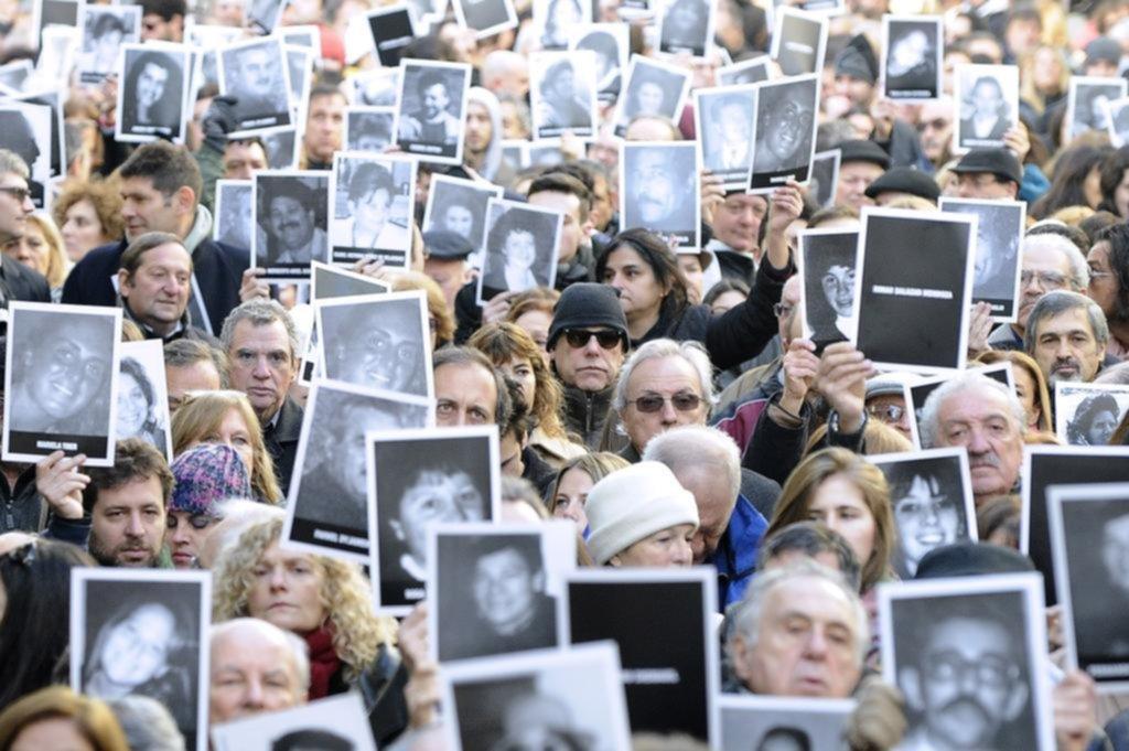 Comunidad judía en Argentina reclama justicia al recordar atentado de 1994