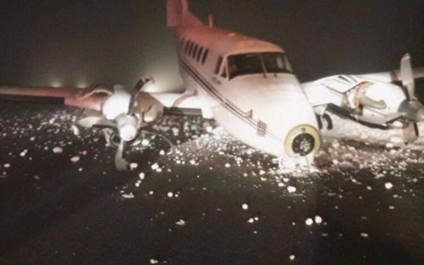 Por la nieve, un avión se despistó al aterrizar en el aeropuerto de Bariloche