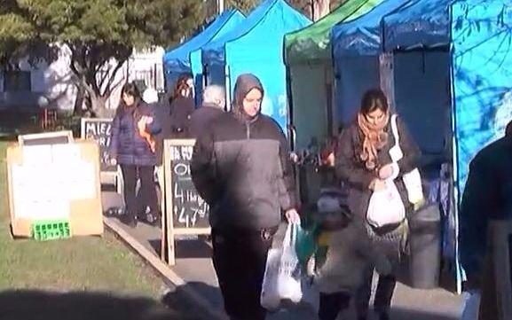 """Video: Se realizó una nueva jornada de """"El mercado en tu barrio"""""""