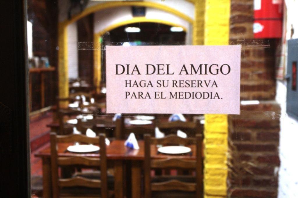 El día del amigo, un invento muy argentino