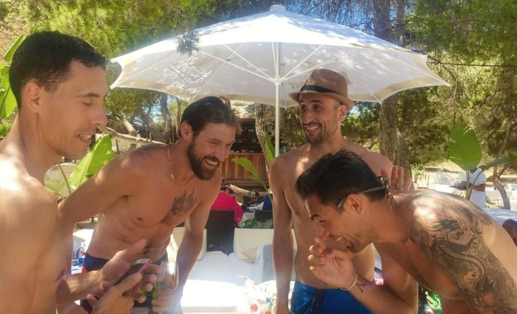 Ginóbili, Oberto, Delfino, Nocioni y Prigioni disfrutan en Ibiza
