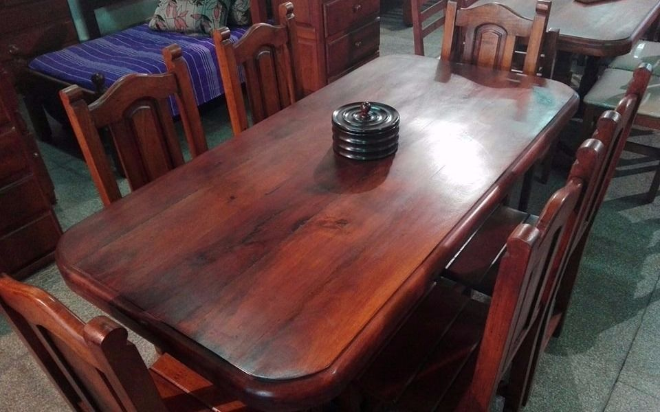 Mesa seis sillas de algarrobo 9990 marcasytendencias for Muebles de algarrobo en la plata
