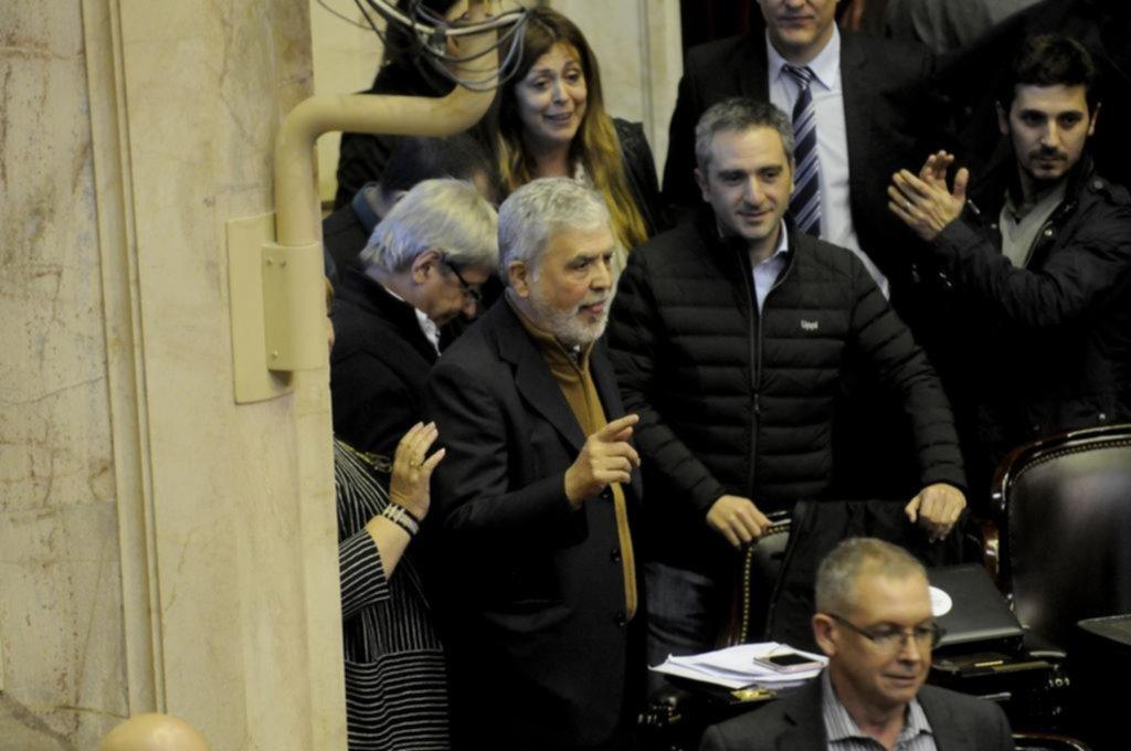CFK mantiene una leve ventaja sobre Bullrich