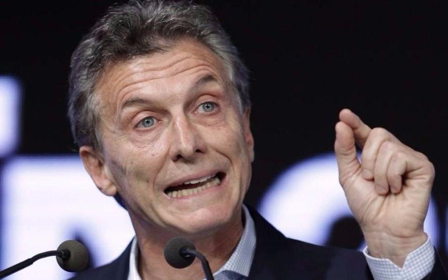 Presidente de Argentina cuestiona elecciones primarias y de medio término