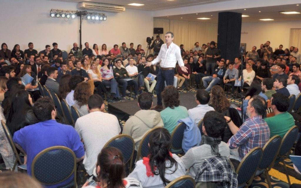 Massa y Cambiemos cierran con actos; CFK, con