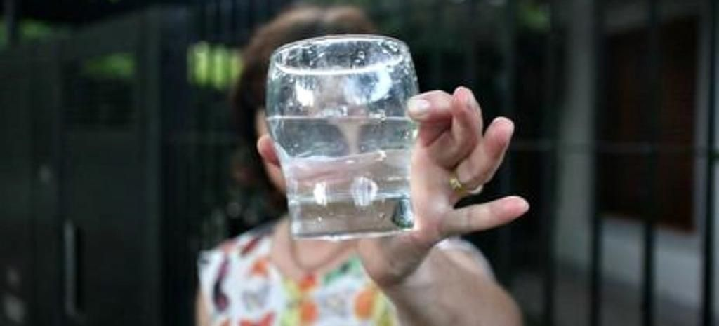Vecinos contra Absa por el agua potable
