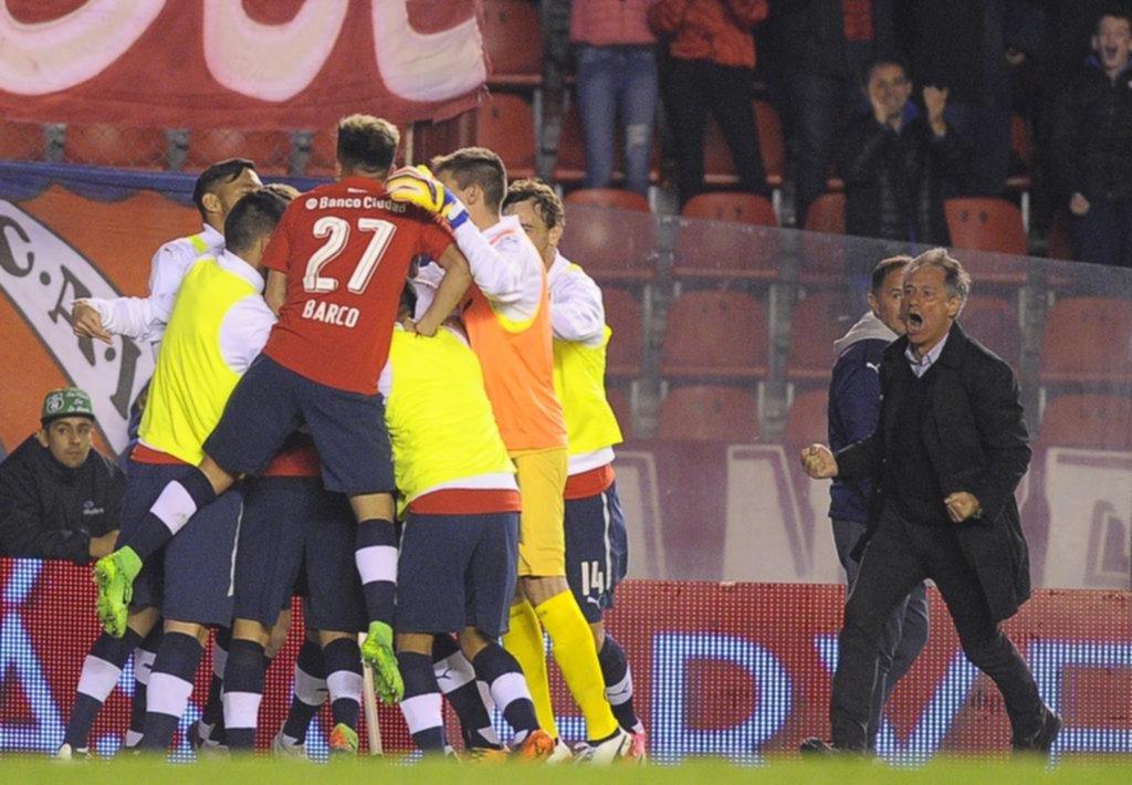 Independiente venció a Huracán en Avellaneda