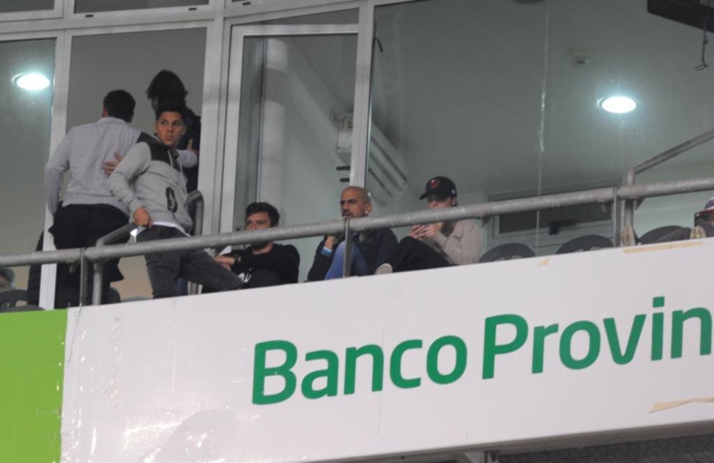 Enzo Pérez no se olvida del León y anoche dijo presente