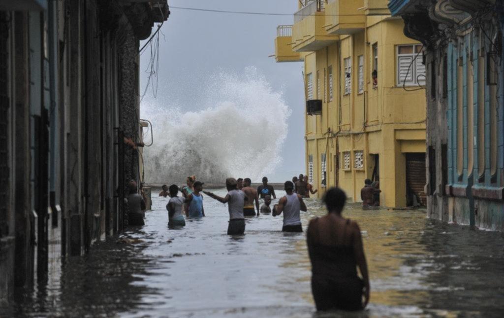 En Cuba, 10 muertos y destrucción