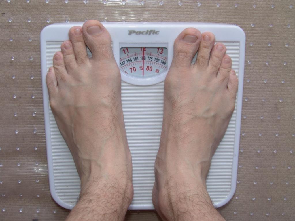 Un descanso en la dieta ayudaría a bajar de peso