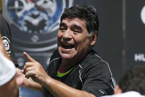 Diego asegura que no debe nada