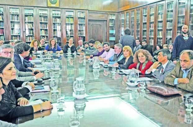 Reabren la discusión salarial con los estatales bonaerenses