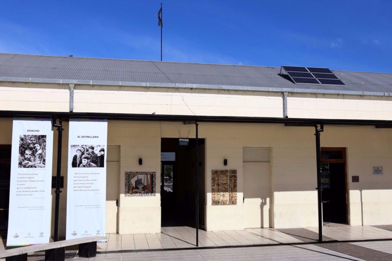 Resultado de imagen para La primera sala cinematográfica de Latinoamérica abastecida con energía solar Cine Municipal EcoSelect- Espacio Incaa 2 La Plata,