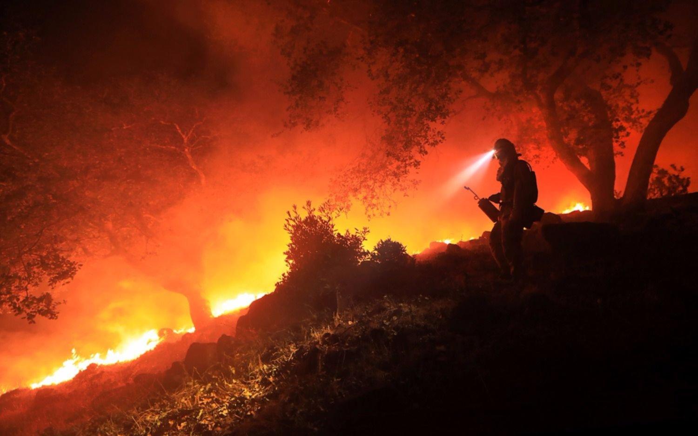 California: temen que los incendios puedan reavivarse y volverse más peligrosos