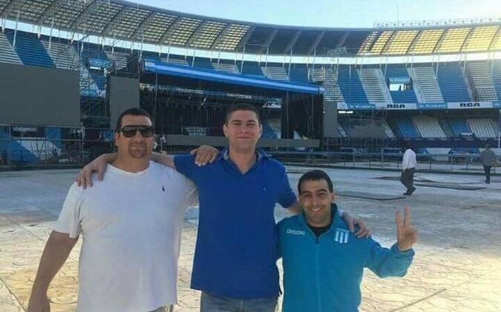 """Denuncian que barras de Racing hicieron """"seguridad"""" en el acto de CFK"""