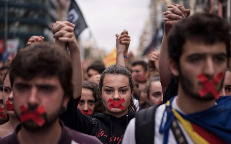 Gobierno y PSOE pactan elecciones regionales en Cataluña en enero — España