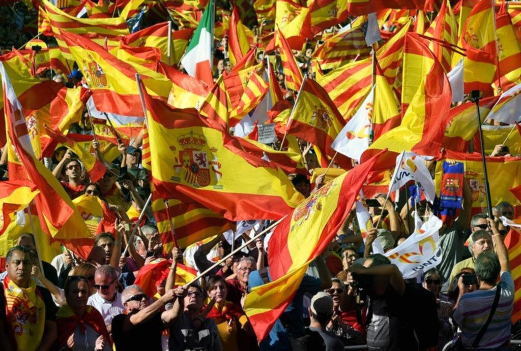 Masiva marcha en Barcelona a favor de la unidad española
