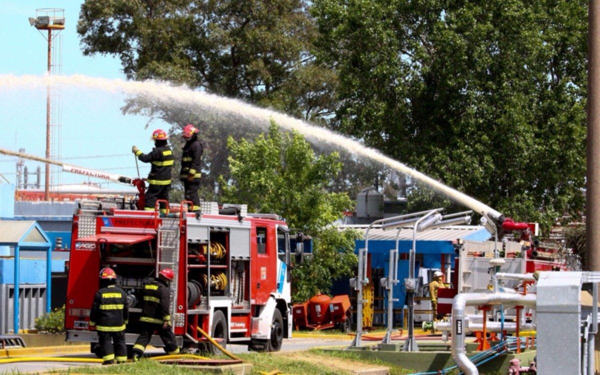 En el Complejo Industrial La Plata simularon situaciones de incendios en escuelas de la Región