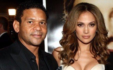 Acusan al manager de Jennifer López de acoso sexual