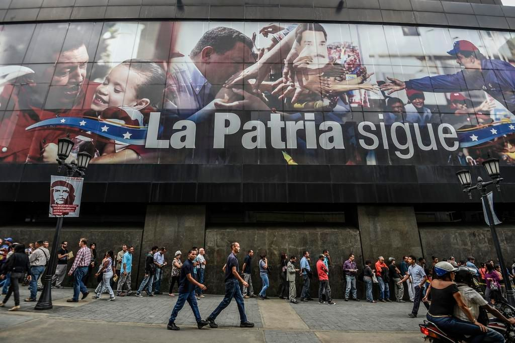 Venezuela consigue oxígeno al reestructurar deuda con Moscú
