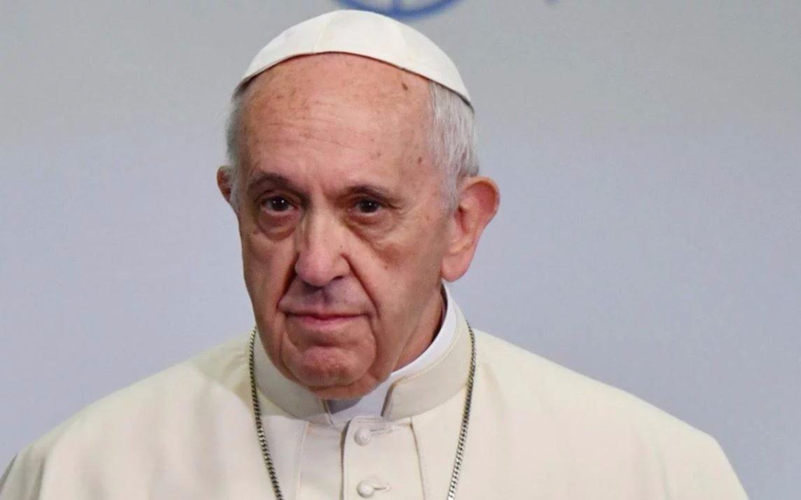 """Francisco aseguró su """"ferviente oración"""" por los tripulantes del submarino desaparecido"""