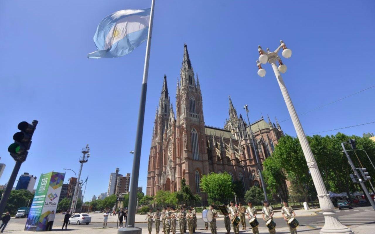 Tras los actos solemnes comenzó la fiesta en la Ciudad por su 135º aniversario