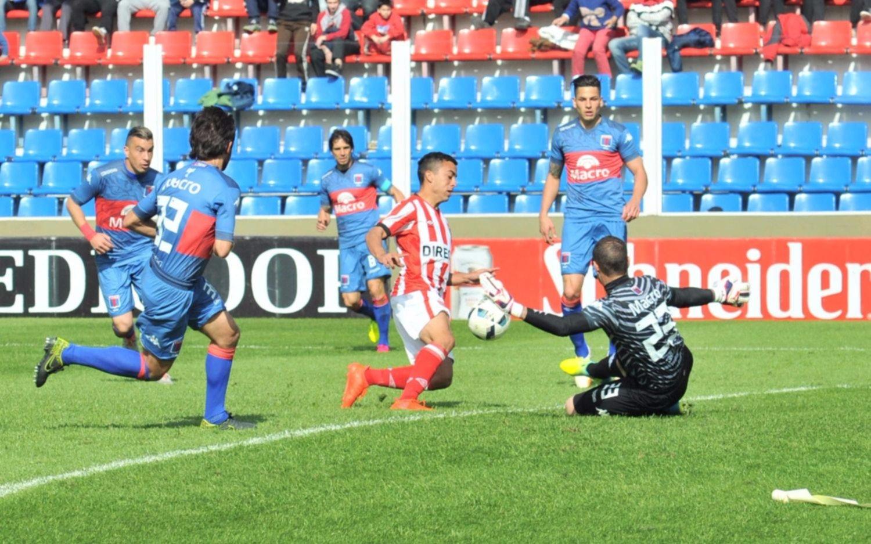 Tigre ganó su primer partido en el torneo frente al