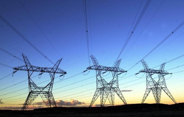 El Gobierno impulsa un plan para el ahorro de luz y gas