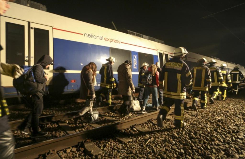 Al menos 50 heridos deja un choque de trenes en Alemania