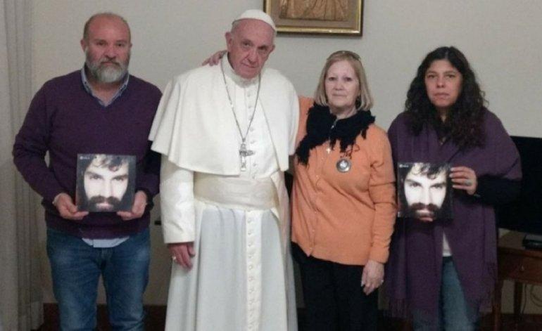 El Papa Francisco le transmitió su apoyo personal a la familia de Santiago Maldonado