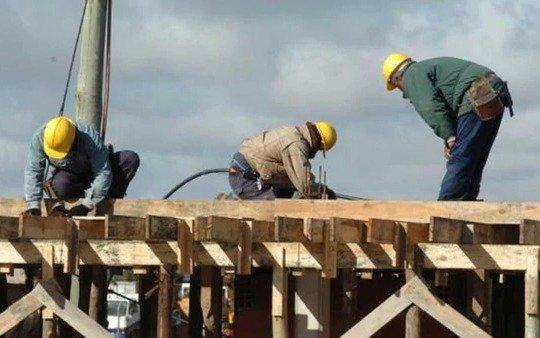 """""""La reforma laboral dista mucho de beneficiar al trabajador"""" opinó especialista"""