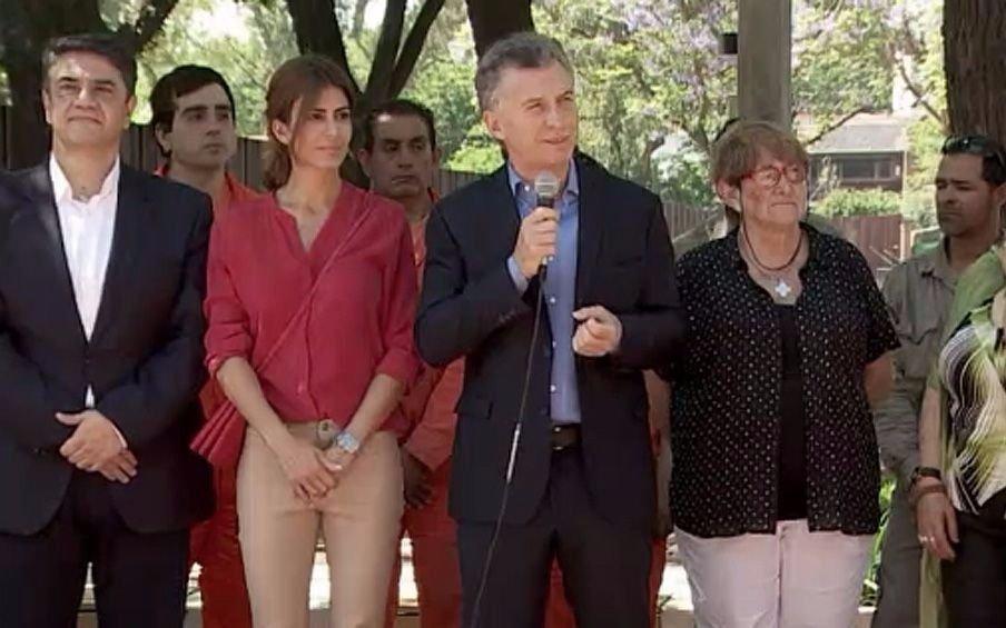 Macri inauguró una obra en Olivos y evitó pronunciarse sobre la ex presidenta
