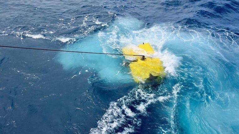 Macri echó al jefe de la Armada por la desaparición del submarino