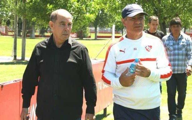 La emotiva carta con la que Ariel Holan se despidió de Independiente