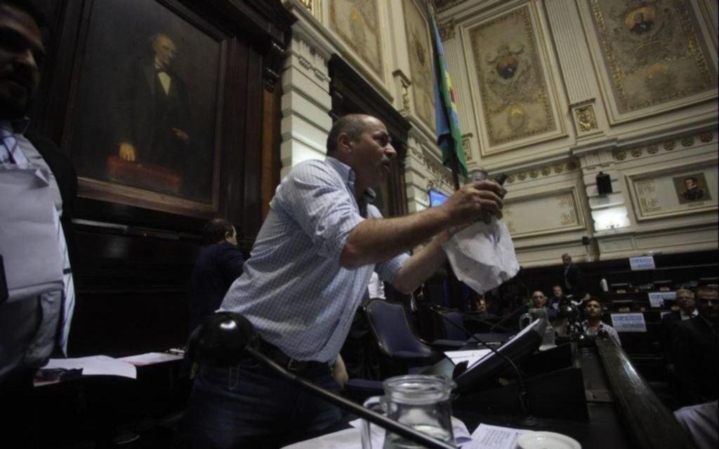 El intendente de Ensenada denunció al Gobierno: