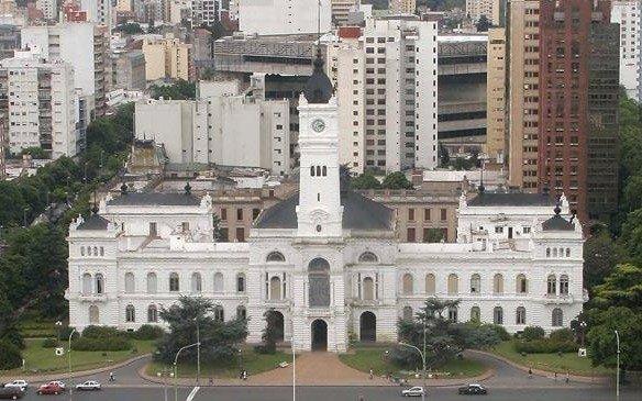 Un Concejo tenso espera las PASO