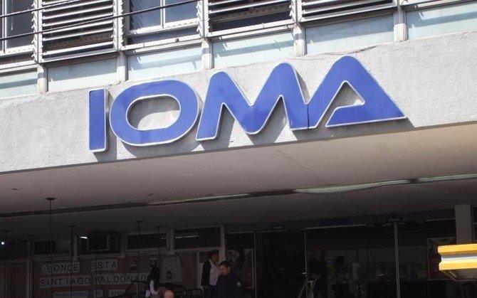 Piden que desplacen de IOMA a los funcionarios denunciados