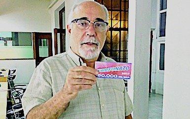 Un arquitecto de Ensenada ganó los 50.000 pesos del Cartonazo de EL DIA