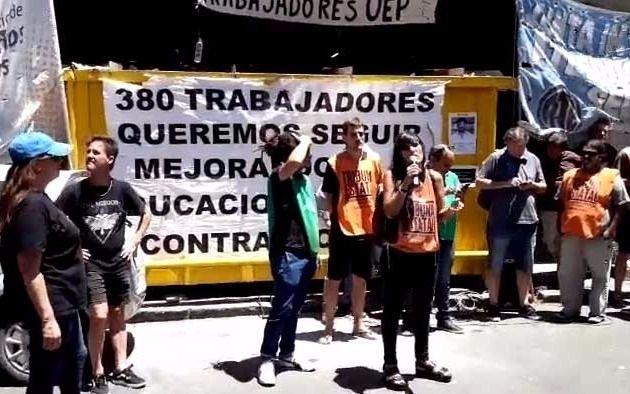 Video: Cortan 8 y 46 en una nueva protesta tras ceseanteos en Educación