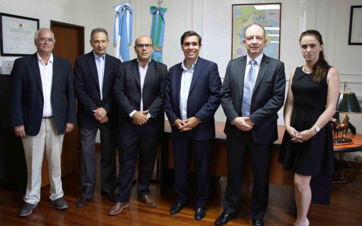 Grupo filipino analiza invertir US$ 150 millones en la terminal del puerto de La Plata