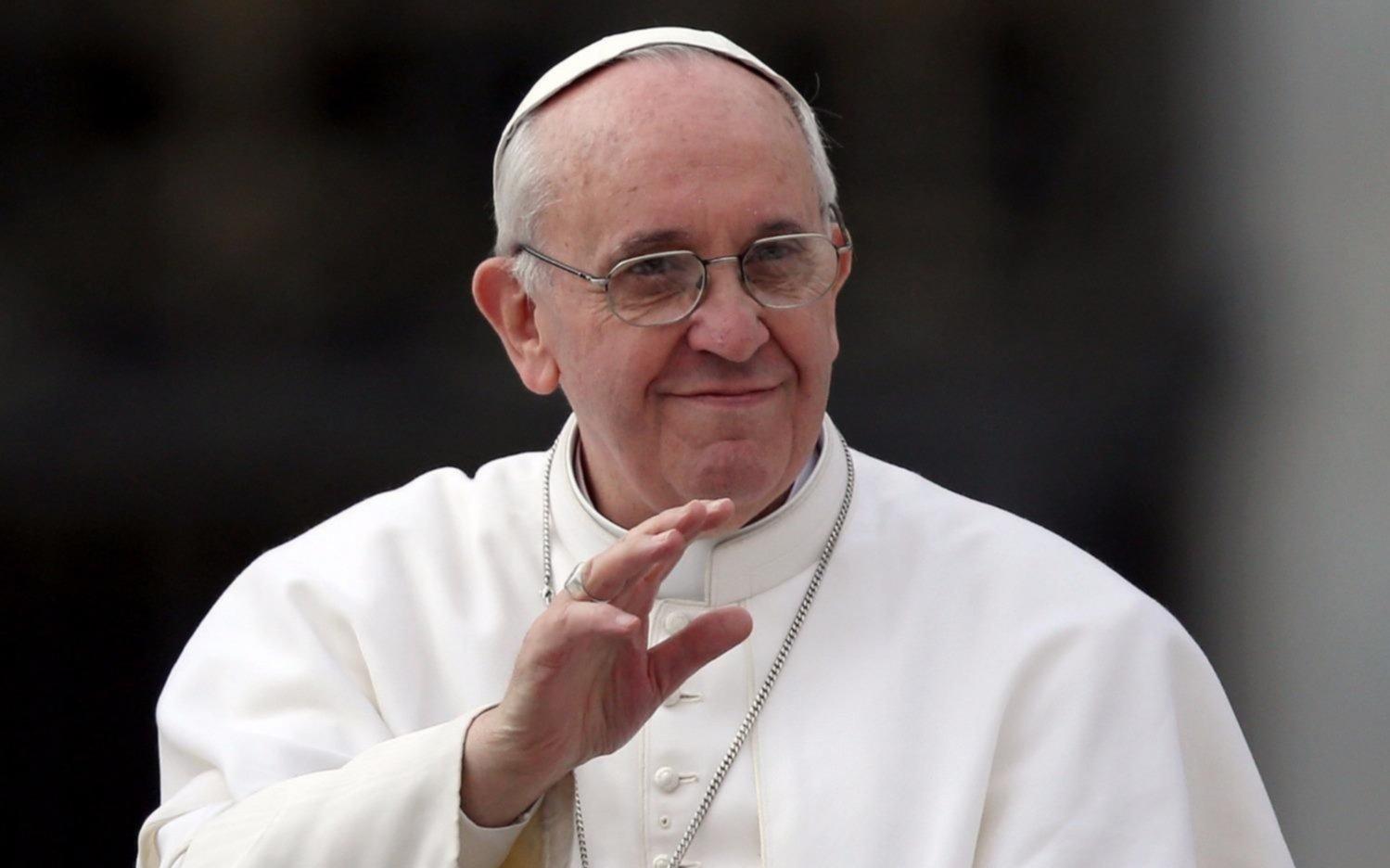 El Papa sobrevolará Argentina este lunes en su vuelo hacia Chile