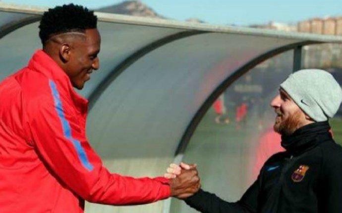 Messi le dio la bienvenida a Yerry Mina