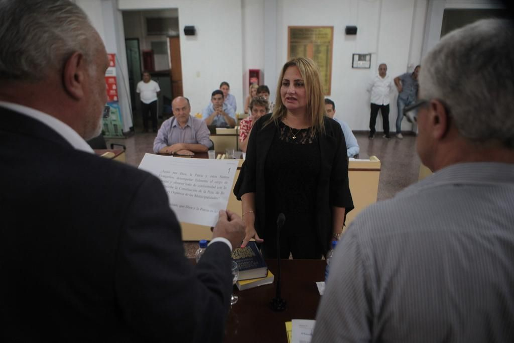 Asumió una suplente y ahora Nedela tendría quórum en el Concejo para votar el pacto fiscal