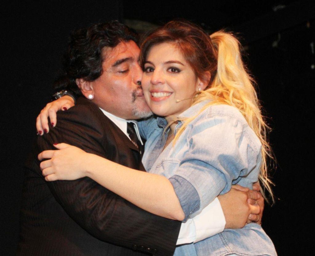 Maradona no irá al casamiento de su hija porque no invitaron a Rocío