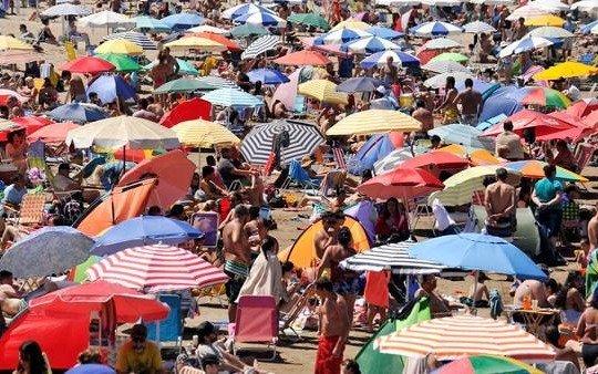 Más de 652.000 turistas visitaron Mar del Plata en la primera quincena del año