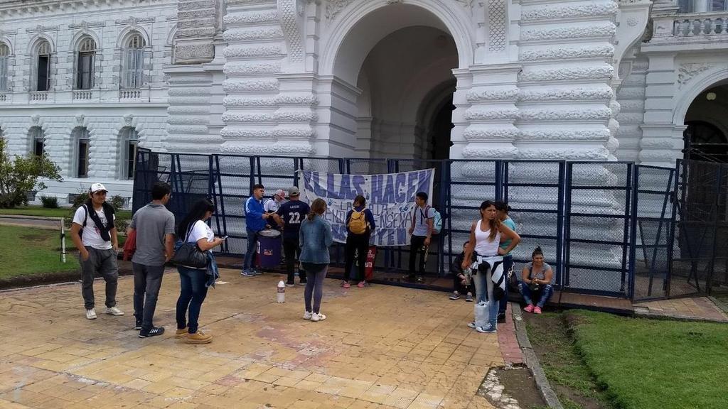Esperan que actúe la Justicia por la toma de un complejo de casas sin terminar en Romero