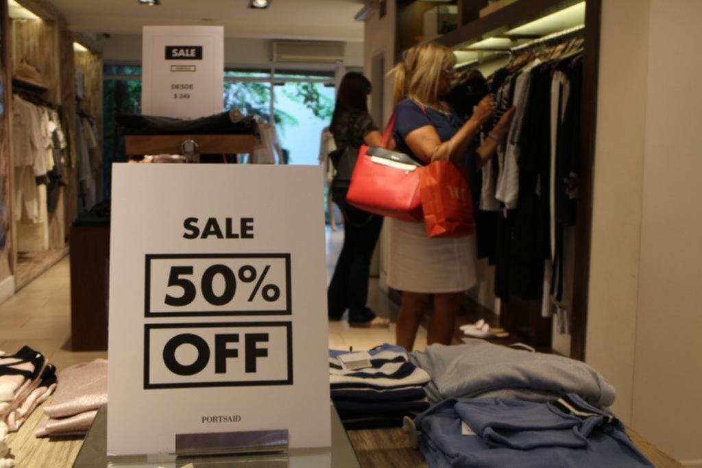 eea35e3c45e en los centros comerciales la temporada de descuentos ya está a pleno