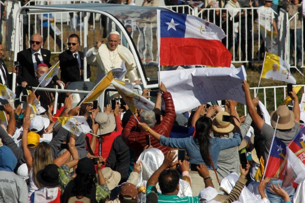 """En tierra mapuche, el Papa afirmó que """"la violencia vuelve mentirosa la causa más justa"""""""