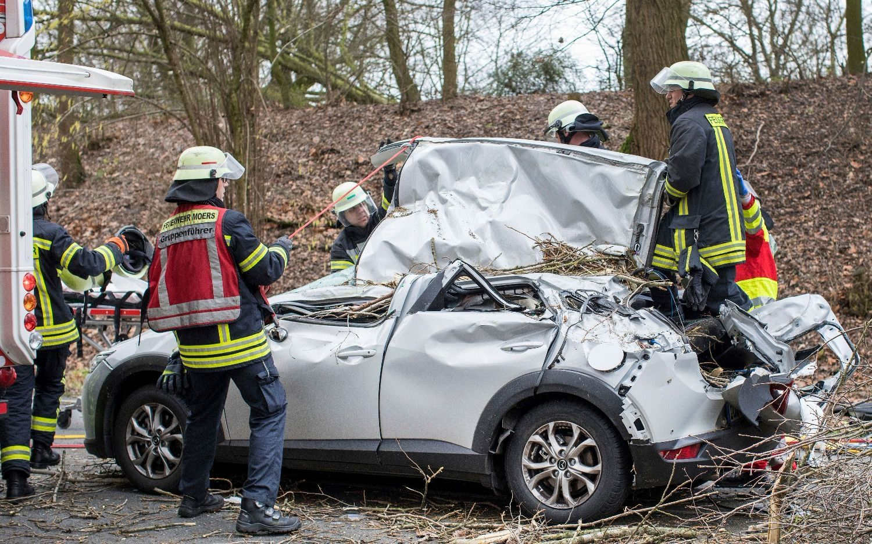 Crece el saldo mortal por el temporal Friederike en Europa