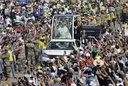 El Papa llamó a combatir la plaga del femicidio en América latina